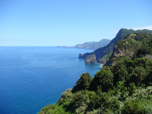 Гористое побережье Мадейры