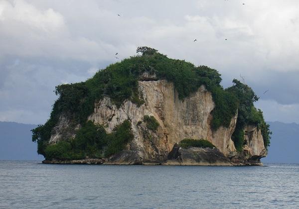 маленький остров в Доминикане